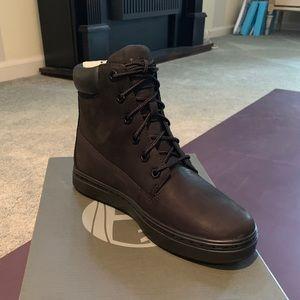 """Londyn 6"""" Black Nubuck Sneaker Boot"""